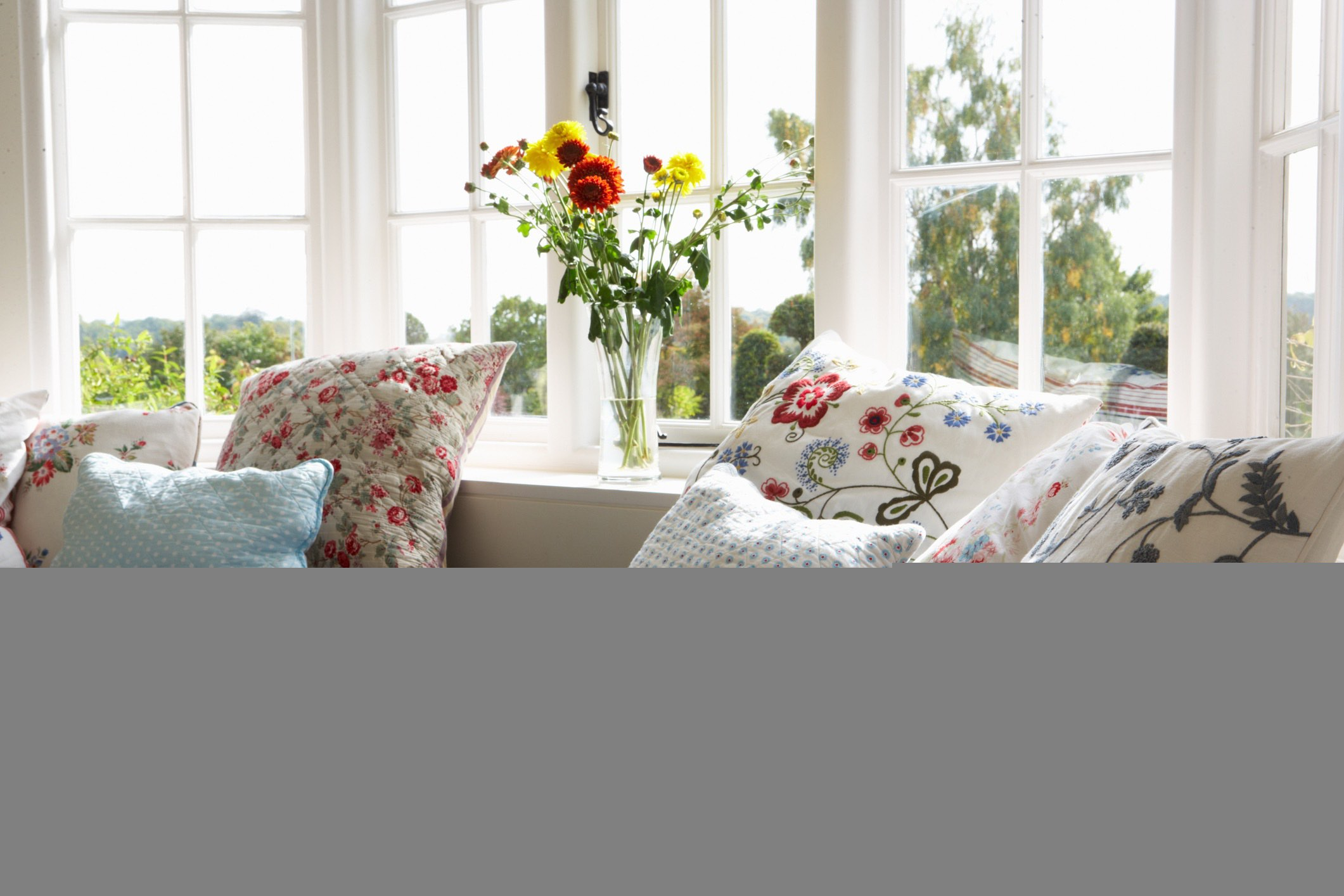 Choosing the right fabric for your box seat cushions